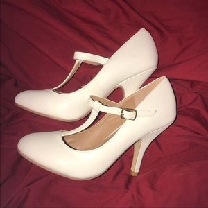 Journey collection Mary Jane pumps